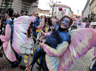 zwitserland,carnaval,basel,bellinzona,luzern,lötschental,evolène